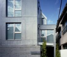 可動収納のある共同住宅