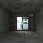 2DKの振り分けタイプの部屋<br /> 造作物をすべてとり、スケルトン状態に・・・