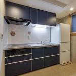 各階にキッチン<br /> 個人で調理することが出来ます。<br /> 各階でキッチン面材色を変えてみました。