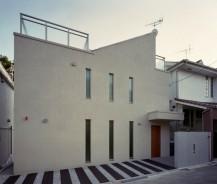 シースルな階段の家
