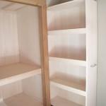 押入れ脇のスペースに移動収納棚を製作。<br />