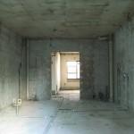 2DKの振り分けタイプの部屋<br /> 造作物をすべてとり、スケルトン状態に・・・。