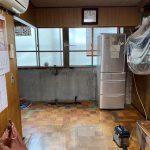 暗く見えてしまう原因の下がり壁を取り除いて、明るく広々とした空間になりました。<br /> 天井はクロス仕上げにしました。