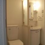 1DKの居室が 4部屋。イメージを淡い色彩で統一し、明るく住みやすい居室になりました。<br /> 賃貸物件を探していらっしゃっられた方々も気に入られ、募集をかけてからあっという間に全室とも入居者が<br /> 決まりました!